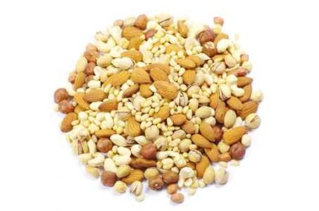 תערובת אגוזים ושקדים